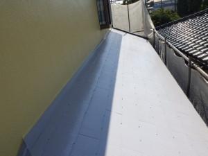 中塗り 小屋根 完了 (2)