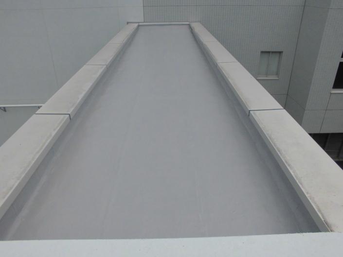 寒川町 某オフィス|渡り廊下屋上の防水工事