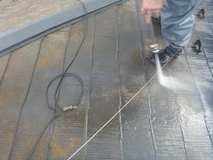 横浜市保土ヶ谷区のM様邸 木造一戸建て|屋根の塗装(塗料:シリコンルーフ)