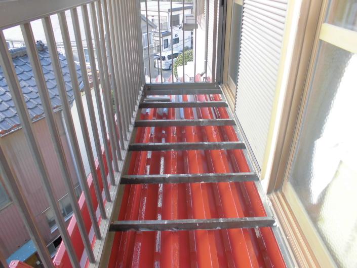 横浜市南区のT様邸 木造一戸建て|屋根の塗装工事(塗料:アレスクール)