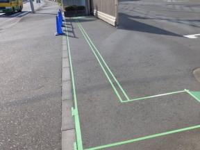 神奈川県茅ヶ崎市の某食品工場|アスファルトの塗装工事(塗料:ハードライン)