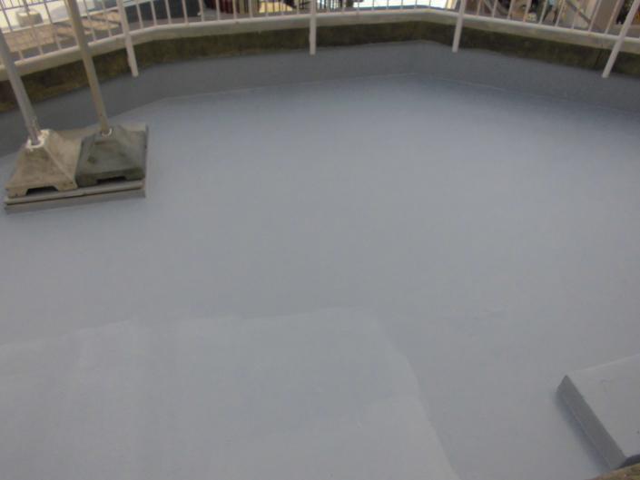 神奈川県平塚市の某マンション|屋上・ベランダの防水工事(塗料:水性マノール)