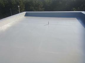 雨漏りによる屋上の防水工事(水性アトレーヌ)|神奈川県茅ケ崎市の某宿泊施設