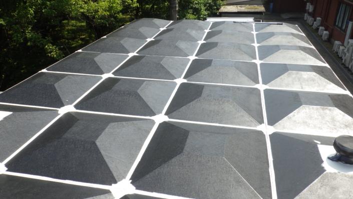 受水槽の屋根の塗装工事|神奈川県秦野市・某総合病院の屋根リフォーム