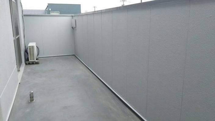 ベランダ部の雨漏り補修(クラック・目地)工事|神奈川県茅ケ崎市の某工場の外装リフォーム