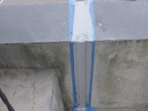 屋上の笠木のシーリング打ち替え工事|神奈川県茅ケ崎市の某ホテルの外装リフォーム