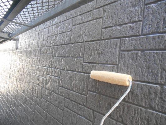 外壁の塗装工事(クリア塗装)|神奈川県平塚市のお客様宅にて塗り替えリフォーム中