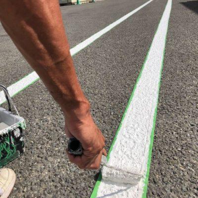 神奈川県平塚市の某食品工場にて駐車場のライン引き塗装