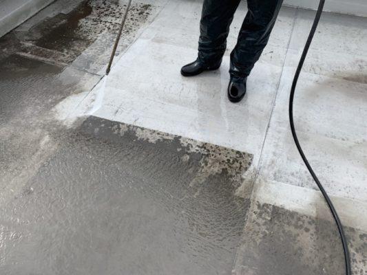 屋上の高圧洗浄と排水ドレンの取り外し|神奈川県平塚市明石町にて防水工事