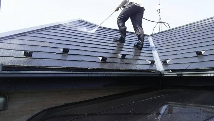 屋根の水洗い(高圧洗浄)
