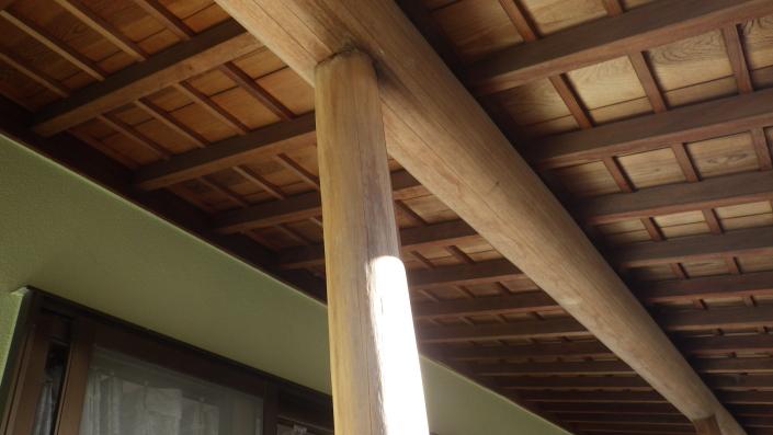 柱(木部)の保護塗料前