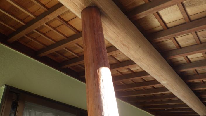 柱(木部)の保護塗料後