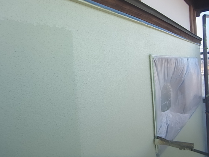 リシン壁の上塗り塗装