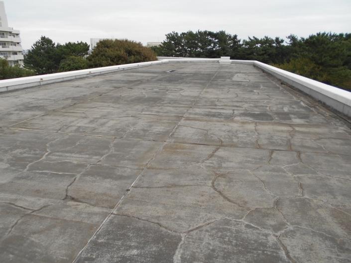 屋上の高圧洗浄作業