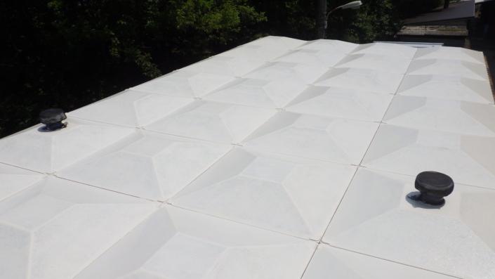 受水槽屋根の塗装後