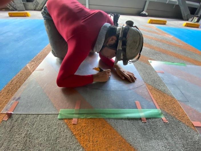 車椅子・身障者マークを駐車場にデザイン塗装|神奈川県大和市の某病院にて駐車禁止マークの塗装