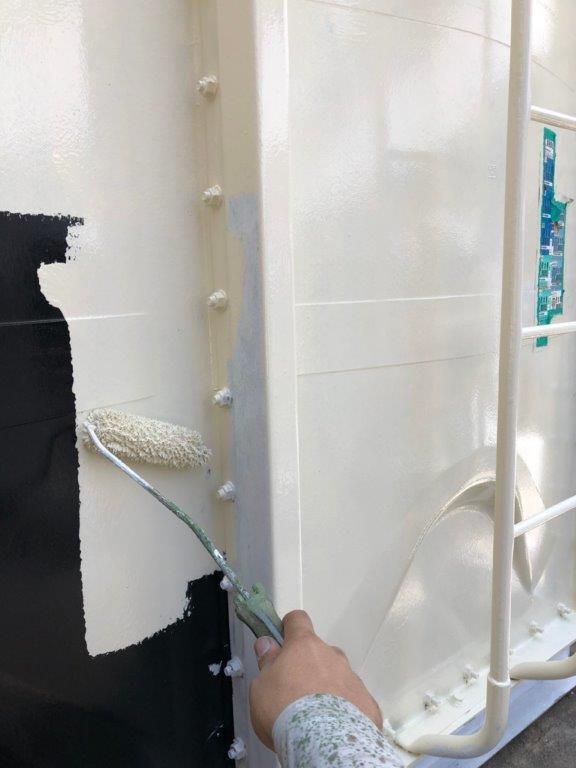 タンクの中塗り塗装