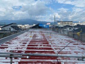 折板(折半)屋根の塗装工事 神奈川県小田原市のSアパートにて塗り替え塗装